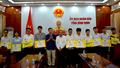 Trao học bổng toàn phần về Trí tuệ nhân tạo cho học sinh xuất sắc tỉnh Bình Định