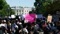 Biểu tình bạo loạn ở Mỹ: Tổng thống Trump phải xuống hầm trú ẩn, thủ đô Washington bị giới nghiêm