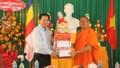 Lãnh đạo TP Cần Thơ tặng quà, chúc mừng Tết Chôl Chnăm Thmây