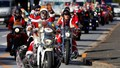 """Những """"ông già Noel"""" diễu hành cổ vũ chống lạm dụng trẻ em ở Nhật Bản"""