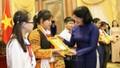 Phó Chủ tịch nước mong thiếu nhi Bắc Giang phát huy trí tuệ sáng tạo
