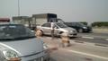 Tai nạn trên cầu Thanh Trì, một phụ nữ nguy kịch
