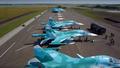 Loạt máy bay ném bom Nga phô diễn kỹ thuật hạ cánh trên đường cao tốc