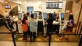 Singapore phạt nặng người vi phạm quy định về khoảng cách an toàn, cách ly