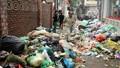 Nhiều tuyến phố tại Hà Nội 'ngập' rác, tiểu thương 'kêu trời'