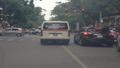 Không cấp cứu, xe cứu thương vẫn ngang nhiên lấn làn, vượt đèn đỏ