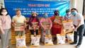 Tặng 200 phần quà cho những hộ dân khó khăn ở Thừa Thiên - Huế