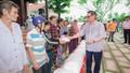 Trao 600 suất quà cho người nghèo tại huyện Vĩnh Thuận