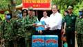 Lãnh đạo An Giang thăm, tặng quà các tổ công tác phòng, chống dịch bệnh Covid-19