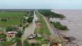 Cà Mau tìm giải pháp khắc phục sự cố sụt lún tại khu vực đê biển Tây