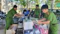 Kiên Giang bắt quả tang vụ vận chuyển hàng lậu trị giá khoảng 400 triệu đồng