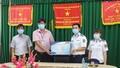 Bộ Tư lệnh Vùng Cảnh sát biển 4 trao tặng 3.500 khẩu trang y tế cho người dân