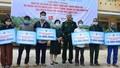 Hỗ trợ sinh kế, khám bệnh cấp phát thuốc miễn phí cho nạn nhân bị tai nạn bom mìn sau chiến tranh