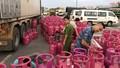 Ô tô tải chở gần 1.000 vỏ bình gas không rõ nguồn gốc