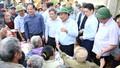 Thủ tướng Nguyễn Xuân Phúc trực tiếp đến thăm hỏi, động viên bà con vùng lũ Quảng Bình