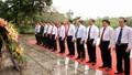 Lãnh đạo tỉnh Phú Thọ dâng hoa kỷ niệm 130 năm Ngày sinh Chủ tịch Hồ Chí Minh