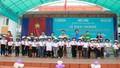 Tặng hơn 10.000 chiếc mũ bảo hiểm cho học sinh lớp 1 tại Cao Bằng