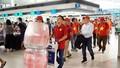 Hàng trăm cổ động viên mang cờ đỏ sao vàng sang Indonesia cổ vũ ĐT Olympic Việt Nam