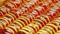 Giá vàng tiếp tục lao dốc, vẫn cao hơn thế giới 3,5 triệu đồng/lượng