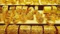 Giá vàng trong nước tăng cao 'rượt đuổi' giá vàng thế giới