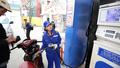 Xăng tăng gần 900 đồng/lít, dầu tăng gần 600 đồng/lít từ 15h chiều nay