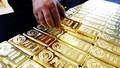 Giá vàng hôm nay 27/7: Giá vàng trong nước tăng chóng mặt, lên mức 56,50 triệu đồng/lượng