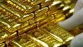 Giá vàng hôm nay 8/8: Vàng trong nước giảm gần 2 triệu đồng/lượng