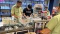 Núp bóng quán cafe kinh doanh trên 1.300 máy hút thuốc lá điện tử