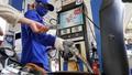 Ngày mai, giá xăng dầu có thể tăng rất mạnh