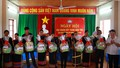 Đảng ủy Khối các cơ quan Trung ương tặng quà các gia đình chính sách ở Phú Yên