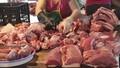 """Trong """"tâm bão"""" dịch tả lợn Châu Phi: Làm gì để người dân không quay lưng với thịt lợn?"""