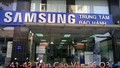 """Bảo hành Samsung lại bị tố """"đem con bỏ chợ"""""""