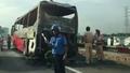 Kinh hoàng cảnh xe khách bốc lửa đùng đùng trên cao tốc Pháp Vân - Cầu Giẽ