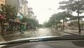 Mưa lớn gây ngập nhiều tuyến phố Hà Nội