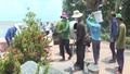 Ấm lòng tổ vá đường từ thiện ở An Giang