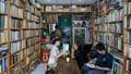 """""""Truyền lửa"""" văn hóa đọc từ quán cà phê thanh toán đồ uống bằng sách"""