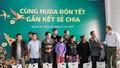 Carlsberg Việt Nam trao quà tết cho đồng bào Miền trung