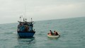 Quảng Trị: Cứu thành công 6 ngư dân trên tàu cá bị chìm