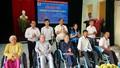 Trao gần 130 xe lăn cho người khuyết tật ở Quảng Trị