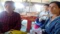 Người đàn ông lạ 'lột sạch tiền' các bà bán vé số dạo ở Huế