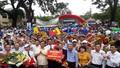 """Quảng Trị: Hàng ngàn người dầm mưa, xem """"cậu bé Google"""" vô địch Olympia 2017"""