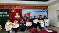 Trao tặng 105 suất học bổng cho học sinh vùng lũ tại Thừa Thiên Huế