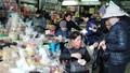 Thực phẩm ngày sát Tết tăng giá 10-30% tại Hà Nội