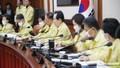 """Quan chức Hàn Quốc tự nguyện giảm 30% lương trong """"mùa dịch"""" Covid-19"""