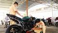 Hàng chục thanh thiếu niên bị tạm giữ vì tụ tập đua xe trái pháp luật
