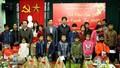 Trao quà Tết cho trẻ em bị nhiễm HIV/AIDS tại Hà Nam