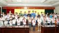 Ninh Bình tặng quà 52 học sinh có hoàn cảnh khó khăn