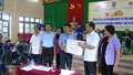 Bộ trưởng Lê Thành Long thăm và tặng quà tại Thanh Hóa
