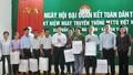 Thanh Hóa: Chủ tịch tỉnh chia vui, chủ tịch huyện hát cùng bà con trong ngày hội Đại đoàn kết