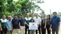 Nhà xuất bản Tư pháp phối hợp với Đoàn Thanh niên Vietcombank xây nhà ở cho người nghèo và trao tủ sách pháp luật ở Hà Tĩnh